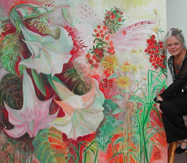 Karola Cermak mit Gemälde